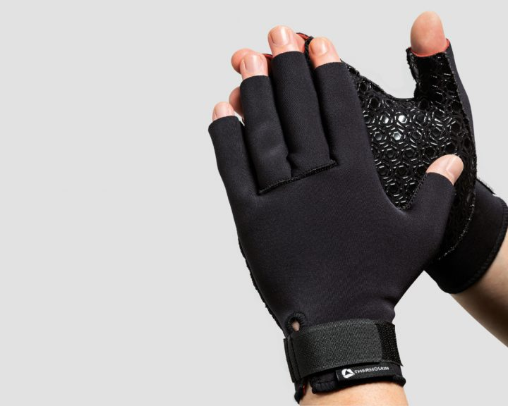 Use Arthritis gloves