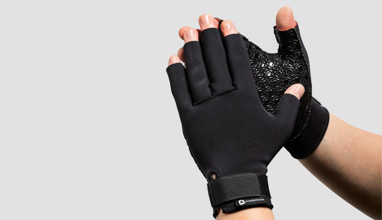 Use Arthritis gloves